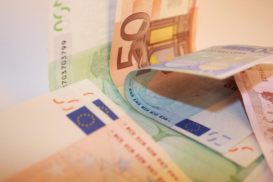 ohnutá eura